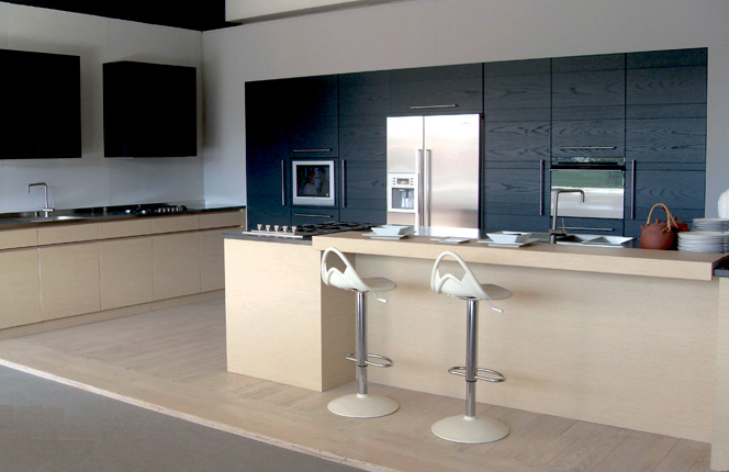 Lacquered oak kitchen